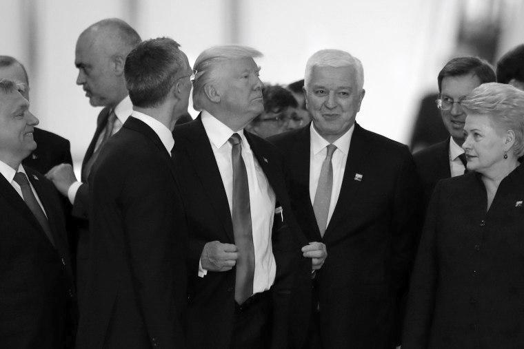 Donald Trump stolze Geste